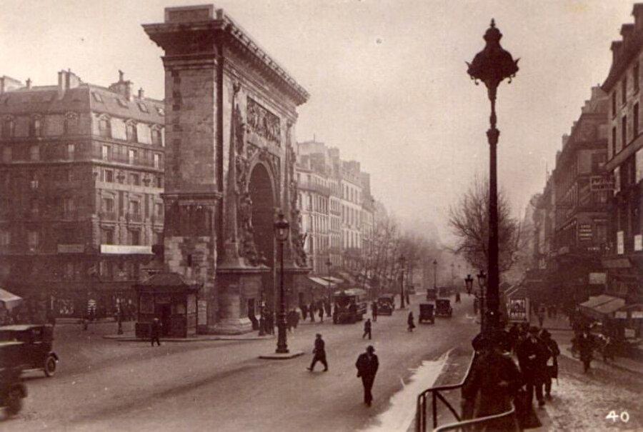 Burgiba, Paris'teki ilk yılını oldukça verimli geçirmişti.