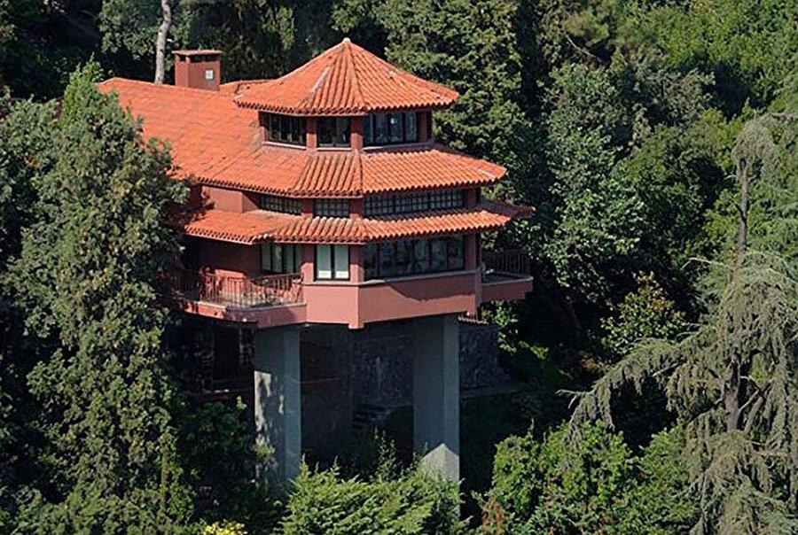 Bruno Taut Evi'nin orijinal renginin bordo olduğu düşünülüyor.