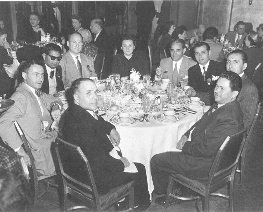 Burgiba, Amerikan İşçi Federasyonu toplantısında.