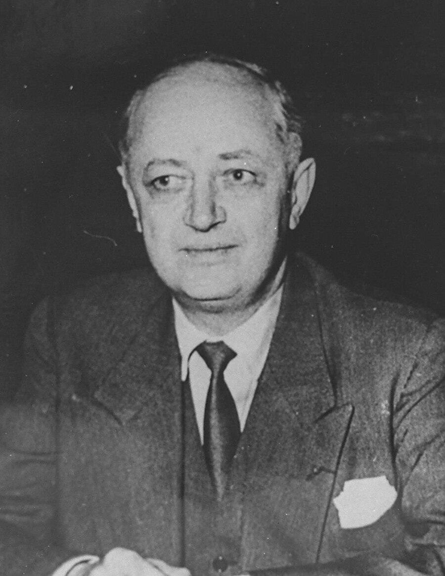 Fransa Dışişleri Bakanı Christian Pineau.