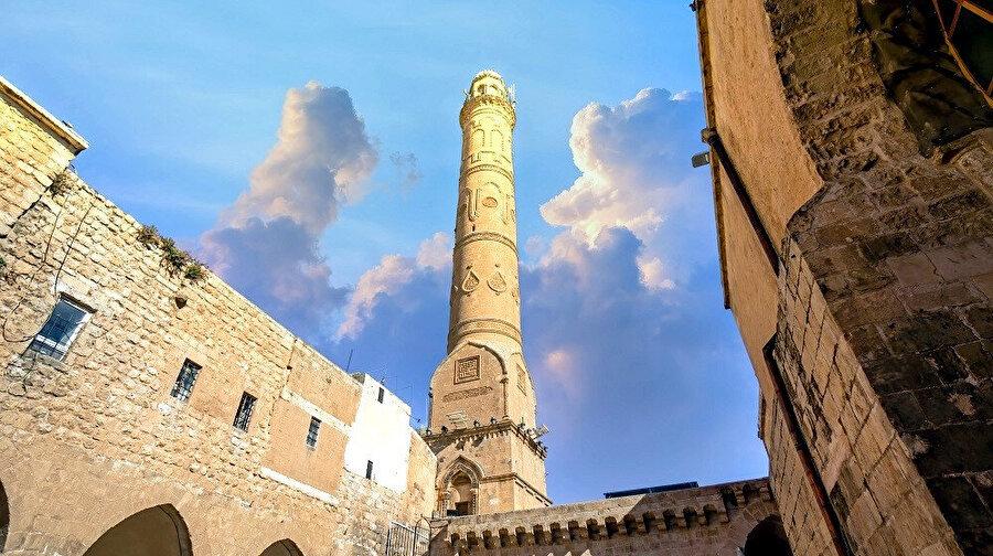 Şehirde uluslararası kuruluşlarca kültür mirası kabul edilmiş, koruma altına alınmış tarihi yapılar mevcuttur.