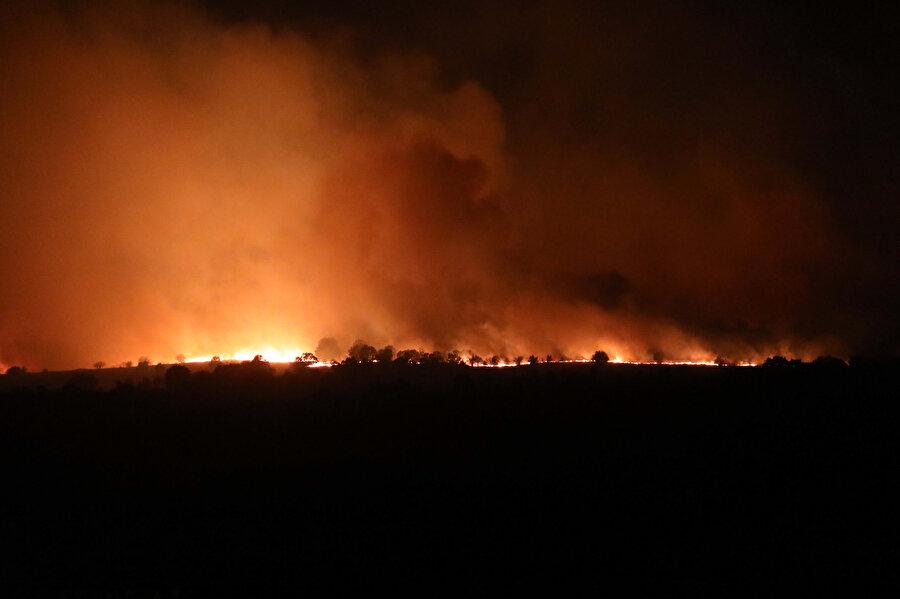 Bulgaristan'da 15 bölgede yangın riski nedeniyle alarma geçilmişti.