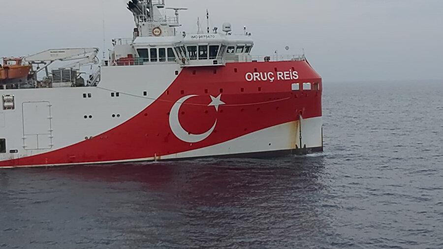 Oruç Reis sismik araştırma gemisi böyle görüntülendi.