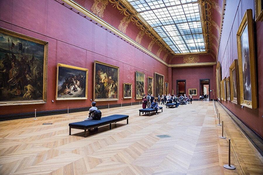 Louvre Müzesi; dünyanın en büyük sanat müzesidir. Fransa'nın başkenti Paris'te, Louvre Sarayı'na kurulmuştur.