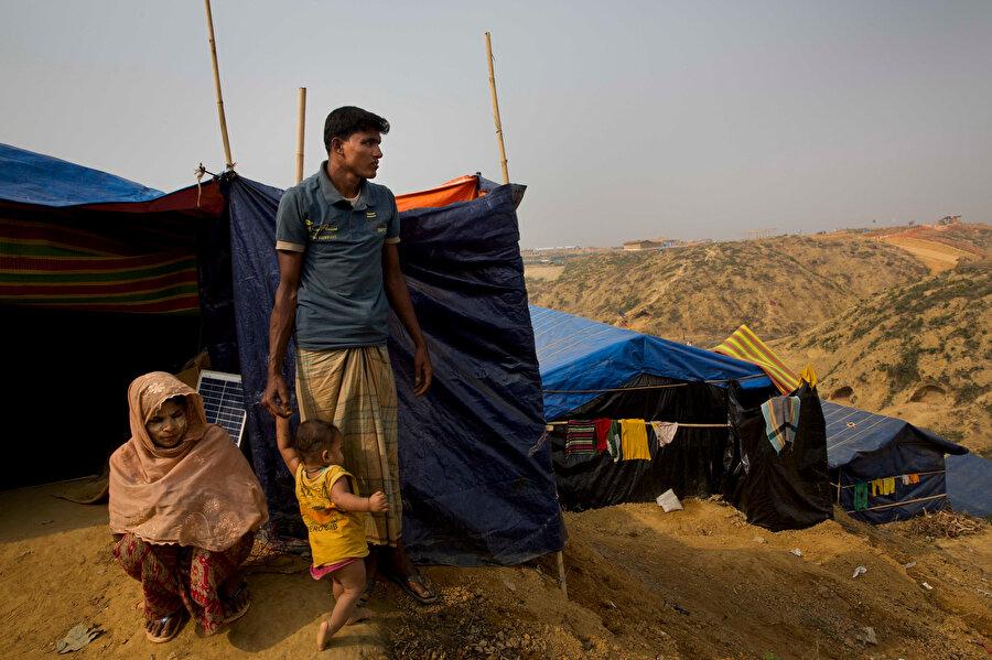 Ağustos 2017'den sonra Arakan'daki baskı ve zulümden kaçıp Bangladeş'e sığınanların sayısı 900 bine ulaştı.