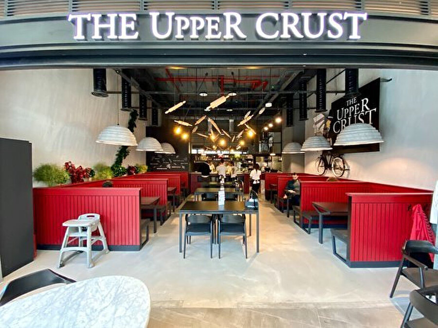 The Upper Crust Pizzeria, Bebek