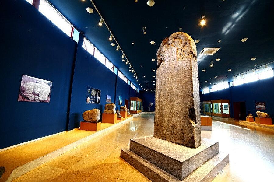 Orhun Yazıtları, Göktürk Yazıtları ya da Köktürk Yazıtları, Türklerin bilinen ilk alfabesi olan Orhun alfabesi ile Göktürkler tarafından yazılmış yapıtlardır.