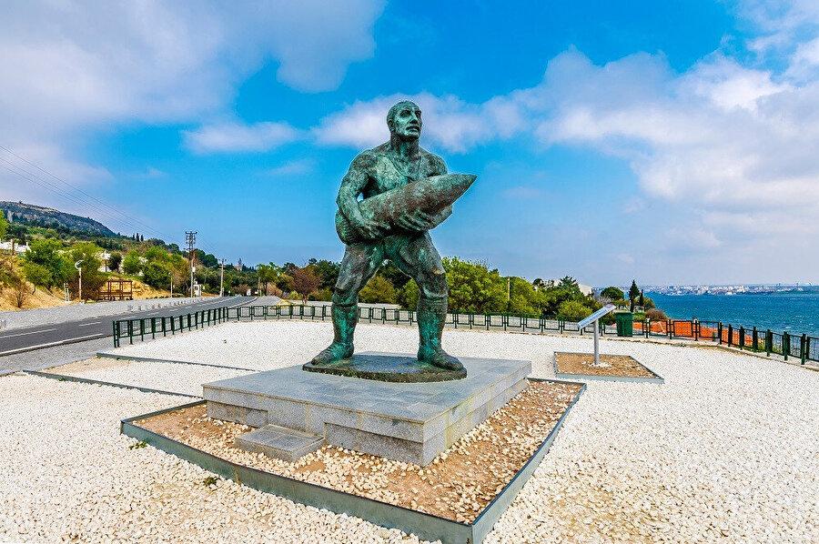Çanakkale'nin şu anki bulunduğu yerin adı 19. yüzyılda Kale-i Sultaniye olarak geçmektedir ve bu isim 1890 yılında şehrin resmî adı olarak kayıtlara geçmiştir.