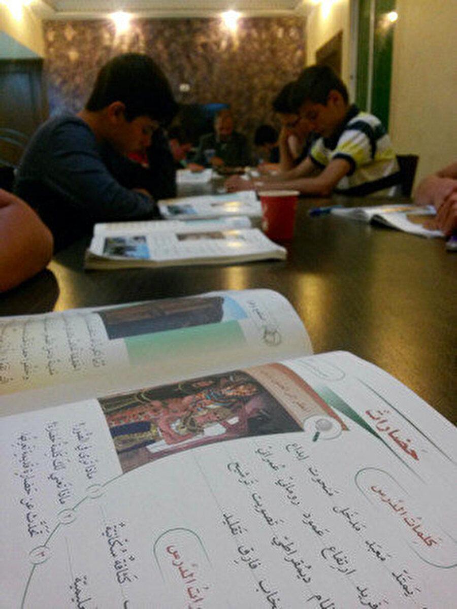 Isparta'dan Amman Arap Üniversitesi'ne dil eğitimi için gelen öğrenciler.