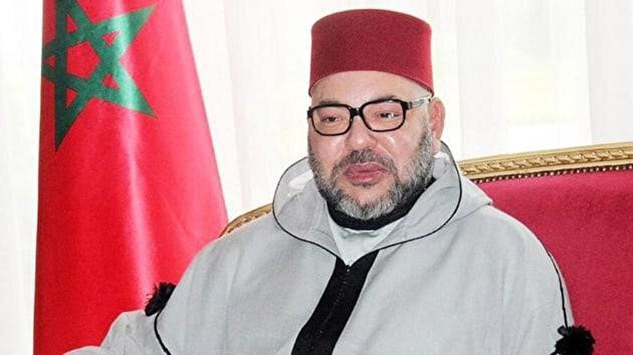 Fas Kralı 6. Muhammed, tıbbi ve insani yardım taşıyan 8 uçağı Lübnanlıların yardımına gönderdi.