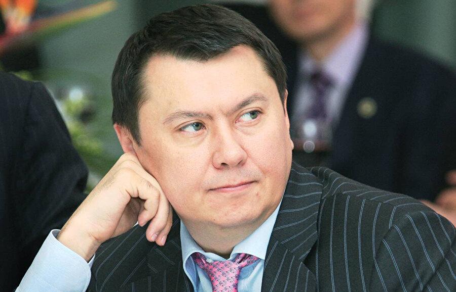 Nursultan Nazarbayev'in kızı Dariga Nazarbayeva ile 2007 yılına kadar evli kalan Rahat Aliyev 2017 yılında Avusturya'da şüpheli şekilde öldü.