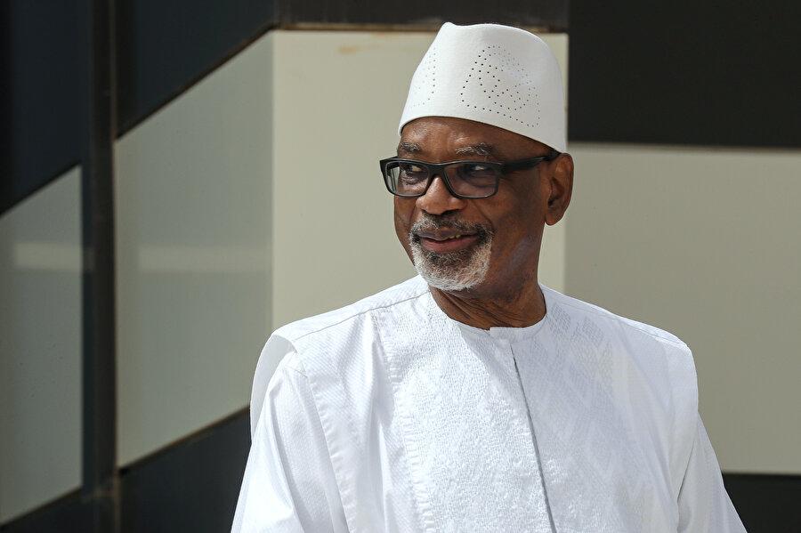 """Mali Cumhurbaşkanı İbrahim Boubacar Keita, """"İktidarda kalmak adına kan dökülmesini istemiyorum."""" diyerek istifa etti."""
