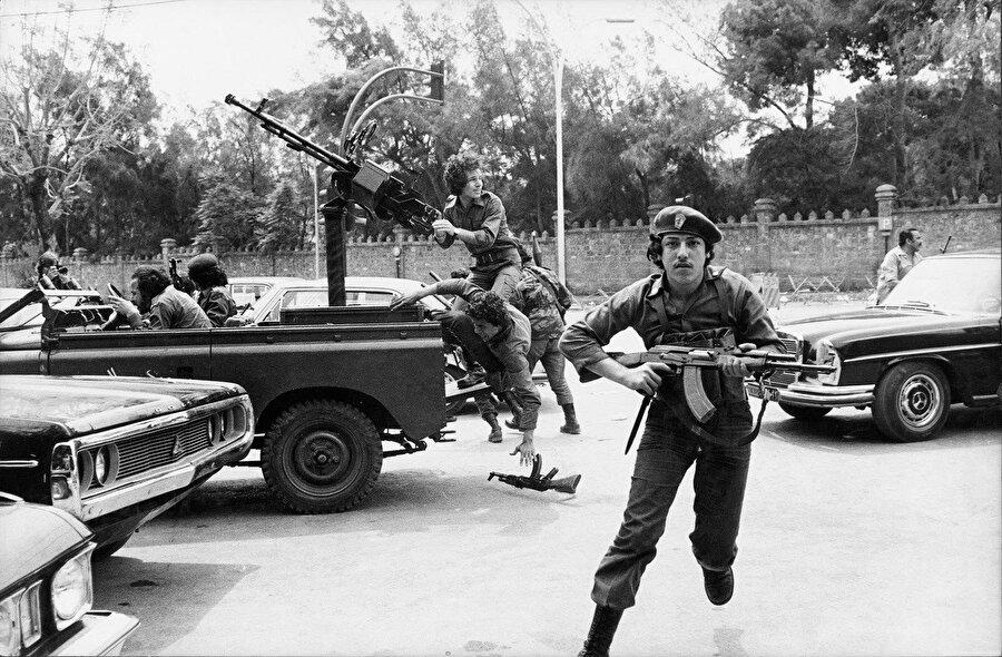 Lübnan iç savaşında çocuk askerler.