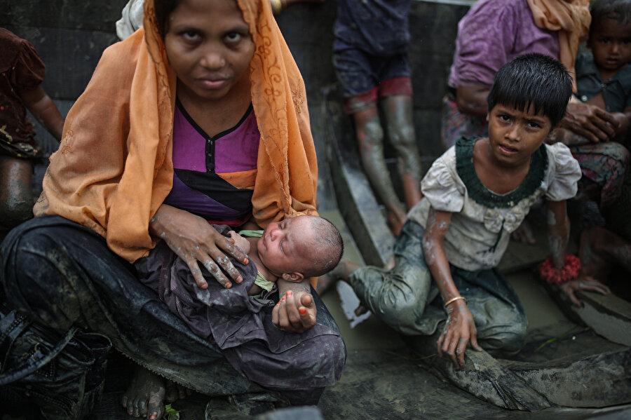 Myanmar'ın Bangladeş sınırı yakınlarındaki Arakan eyaletinde yaşayan Müslüman azınlık,