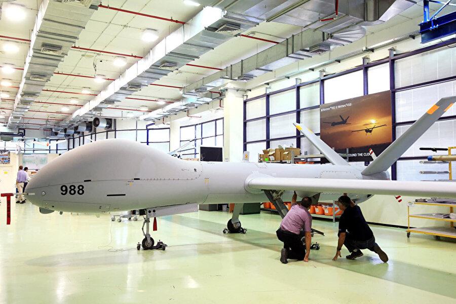 İsrail'in önde gelen gazetelerinden Yedioth Ahronoth, normalleşme anlaşmasıyla ABD'nin BAE'ye F-35 ve gelişmiş insansız hava aracı satışının önünün açıldığını yazmıştı.