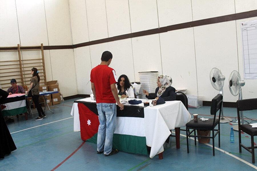 Anayasa'ya göre Ürdün'de genel seçimler 4 yılda bir yapılıyor.