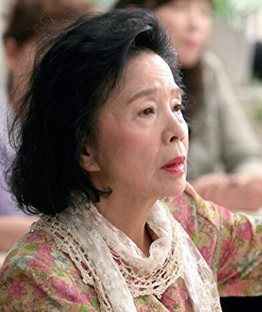 Film, en iyi senaryo ödülünü kazandığı 2010 Cannes Film Festivali'nde ana yarışma için seçildi.