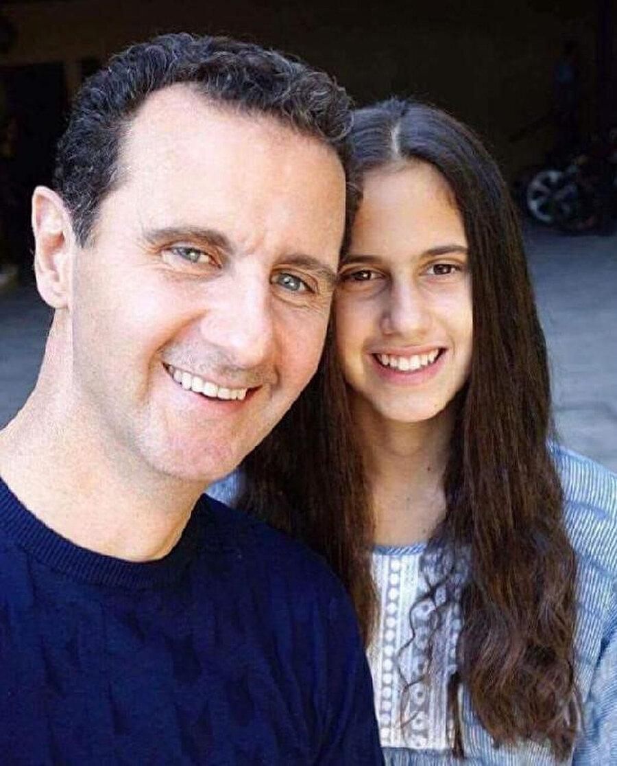 Esed kızıyla birlikte