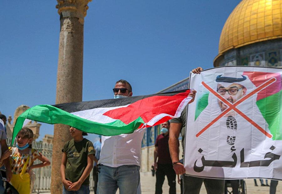 Abu Dabi'yi Filistin'i ziyaret etmek isteyenler için bir geçiş koridoru yapmak Ürdün'ün Filistin davasına yönelik rolünü tehdit eder.
