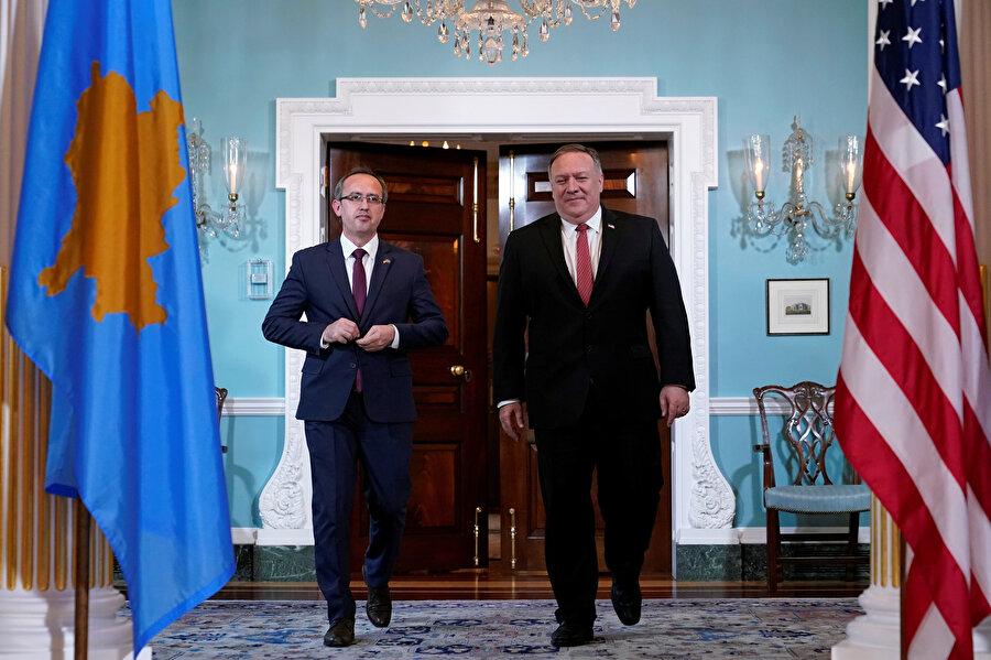 Trump'ın da katılımıyla gerçekleştirilen törende Kosova ile Sırbistan ekonomik normalleşme konusunda anlaşmaya varmış ve ortak metne imza atmışlardı.