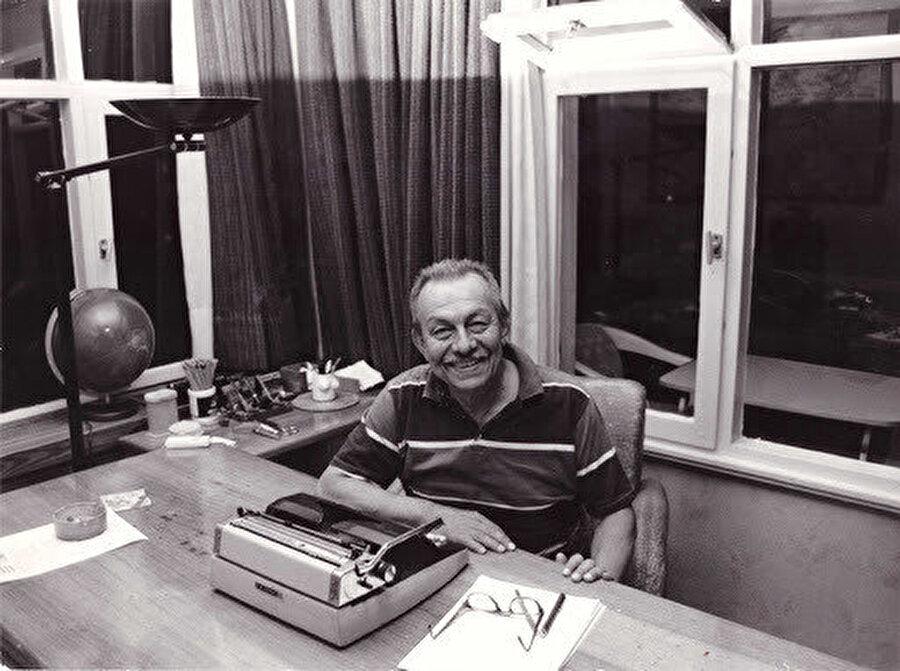Türkiye'nin popüler sosyalistlerinden Çetin Altan (1927-2015)
