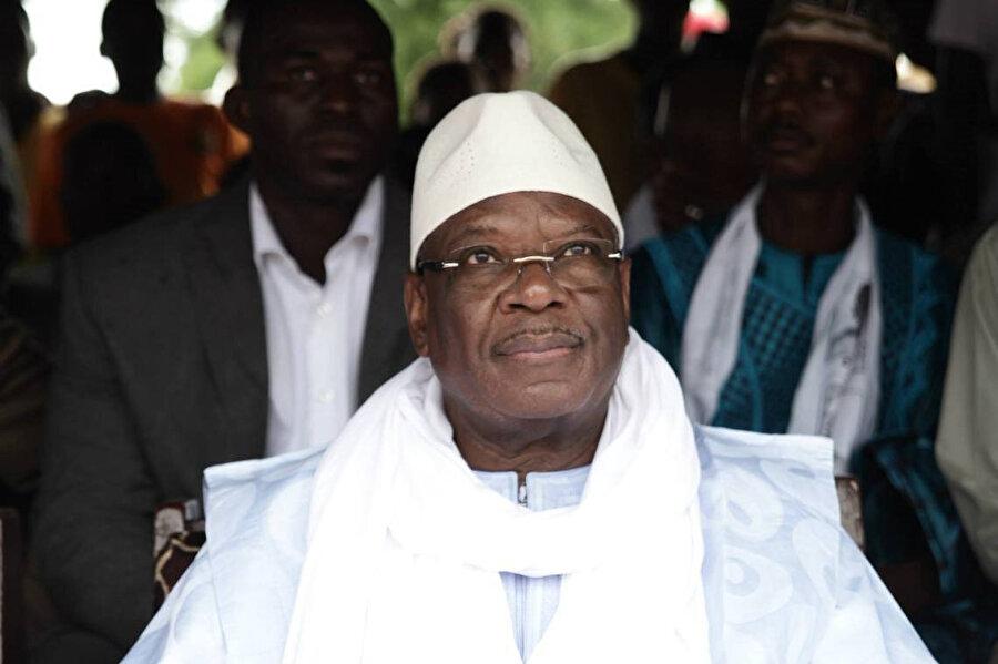 bir süredir devrik Cumhurbaşkanı İbrahim Boubacar Keita'nın istifası için halk nezdinde ciddi bir mücadele yürütüldü.