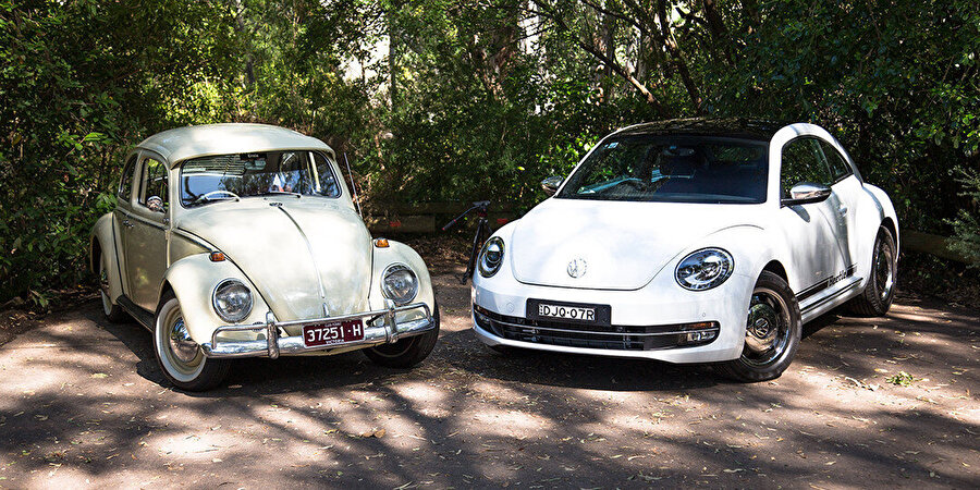 1965 model klasik Beetle ve 2017 model New Beetle.