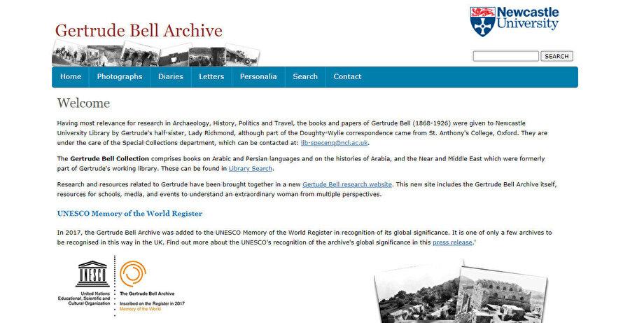 Newcastle Üniversitesi'nin erişime açtığı Gertrude Bell'in mektup, günlük ve fotoğraflarından oluşan koleksiyonunun giriş sayfası.