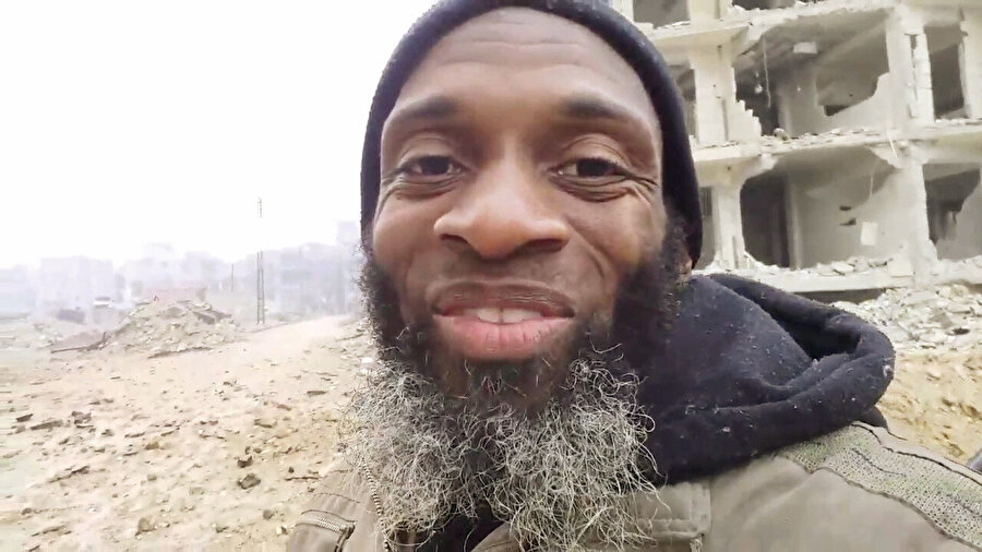 Bilal Abdülkerim Her türlü dalaverenin döndüğü Suriye'de cesur haberlere imza atıyor.