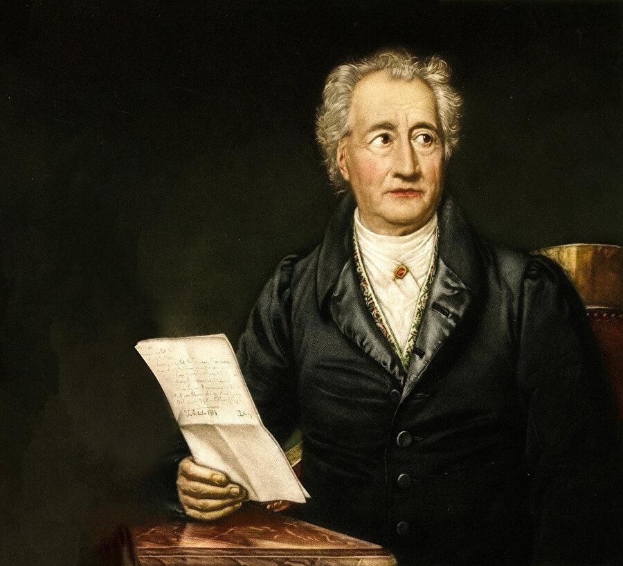 Goethe'nin Kur'an'a olan ilgisi genç yaşlarında, Johann Gottfried von Herder'in onu Kur'an'ı okumaya teşvik etmesi ile başlar.