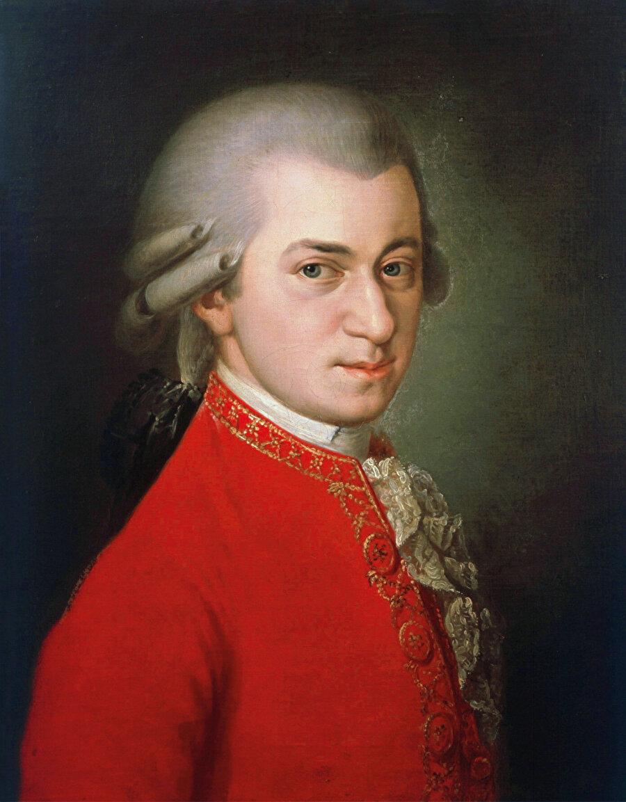 Wolfgang Amadeus Mozart'ın bir mason olduğu ve çeşitli eserlerinin masonik öğeler içerdiği (mesela Sihirli Flüt operası) seramonilerde kullanıldığı yaygın bir bilgidir.