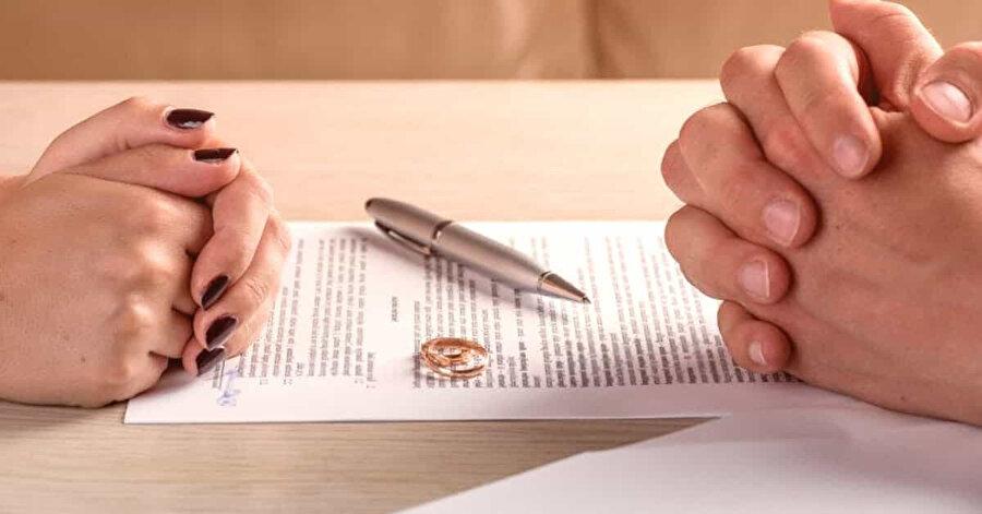 Boşanma davası açtı