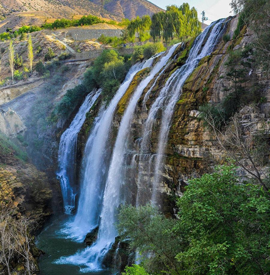 Tortum Selalesi, Erzurum/Tortum Tortum Çayı'nın üzerinde oluşan Tortum Gölü'nün sonunda bulunan bir şelaledir.