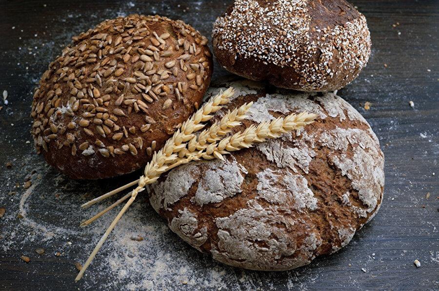 Tansiyonu tetikleyen gıdalar: Ekmek.