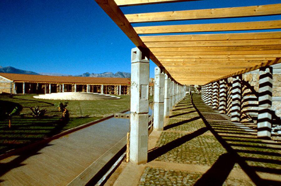 Olbia Sosyal Tesisleri, 2001.