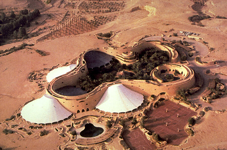 Tuwaiq Sarayı, Riyad, OHO Ortak Girişimi, Suudi Arabistan (1998).