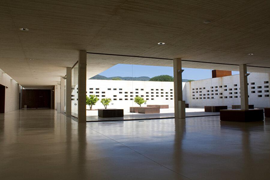 Madinat al Zahra Müzesi, Sobejano Mimarlar SLP, Fuensanta Nieto ve Enrique Sobejano, Cordoba, İspanya (2010).
