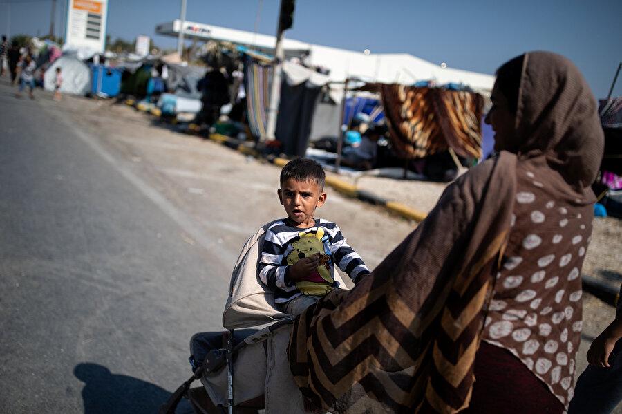 Yunanistan'da Moria kampındaki yangında binlerce sığınmacı evsiz kaldı.