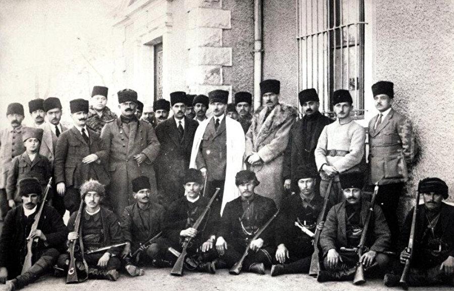 Çerkez Ethem ve Mustafa Kemal