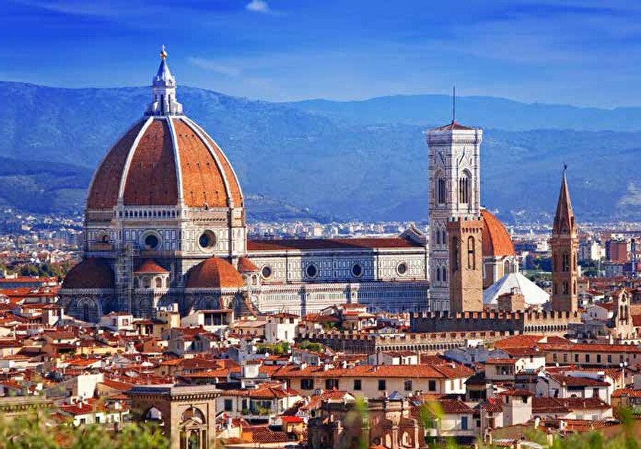 Duomo Katedrali, İtalya'da Floransa kentinde 1296-1436 arasında inşa edilmiş olan katedral.