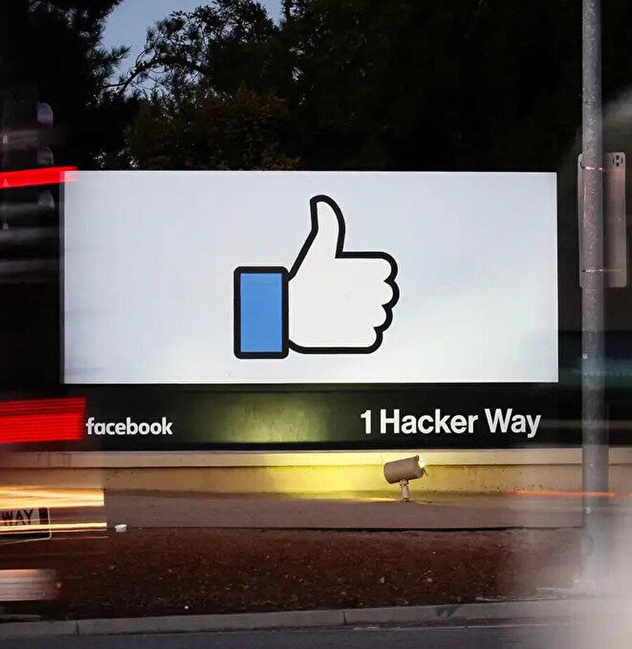 Facebook, personeli tamamen evden çalıştırmaya yönelik adımlarını artırıyor.