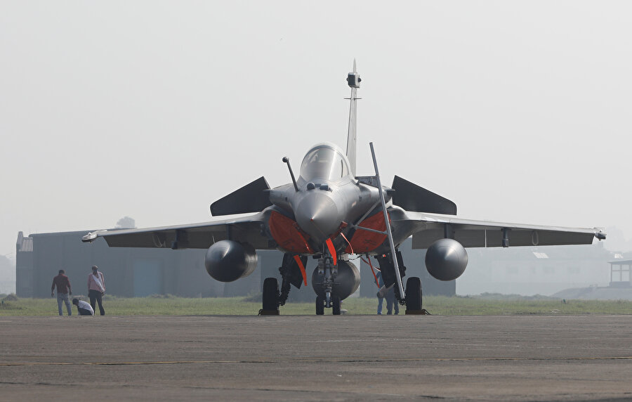 Rafale savaş uçağı böyle görüntülenmişti.
