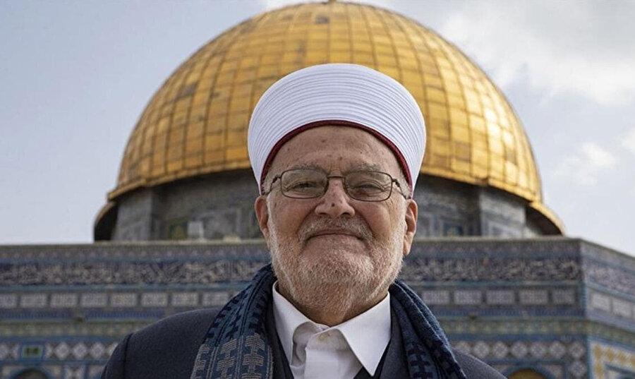 Şeyh İkrime Sabri, geçtiğimiz hafta Arap ve İslam dünyasının liderlerine, Kudüs halkına uygulanan uzaklaştırma politikasından vazgeçmesi için İsrail'e baskı yapma çağrısı yapmıştı.