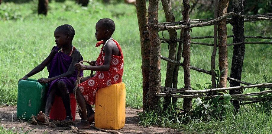 Tanzanya ve Kenya'da yaşayan Maasaileri toplam nüfusunun yaklaşık 900.000 olduğu tahmin edilmektedir.