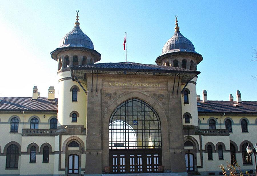 Edirne Garı, gümüzde Trakya Üniversitesi yerleşkesi olarak kullanılıyor.