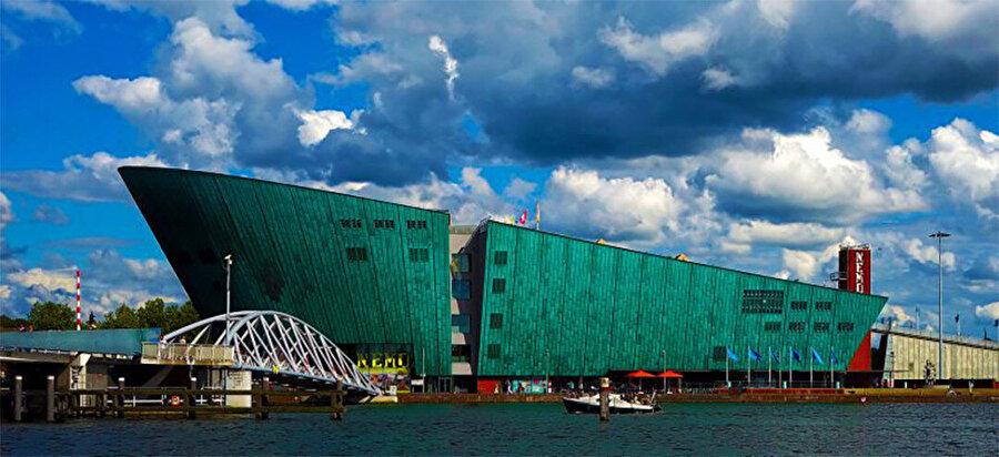 Nemo, Teknoloji ve Bilim Müzesi, 1997, Hollanda-Amsterdam.
