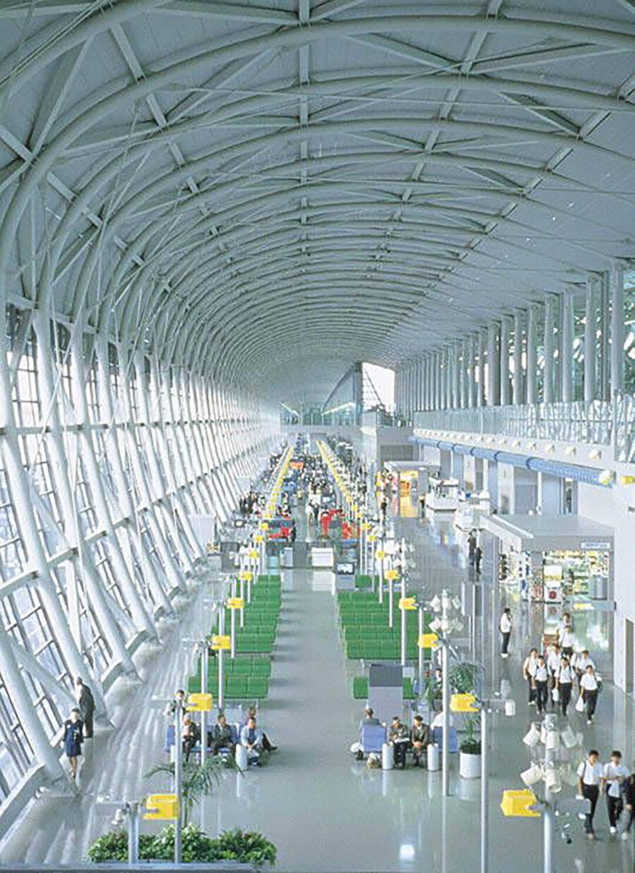 82.000 adet çelik panelin içeriden görünüşü.