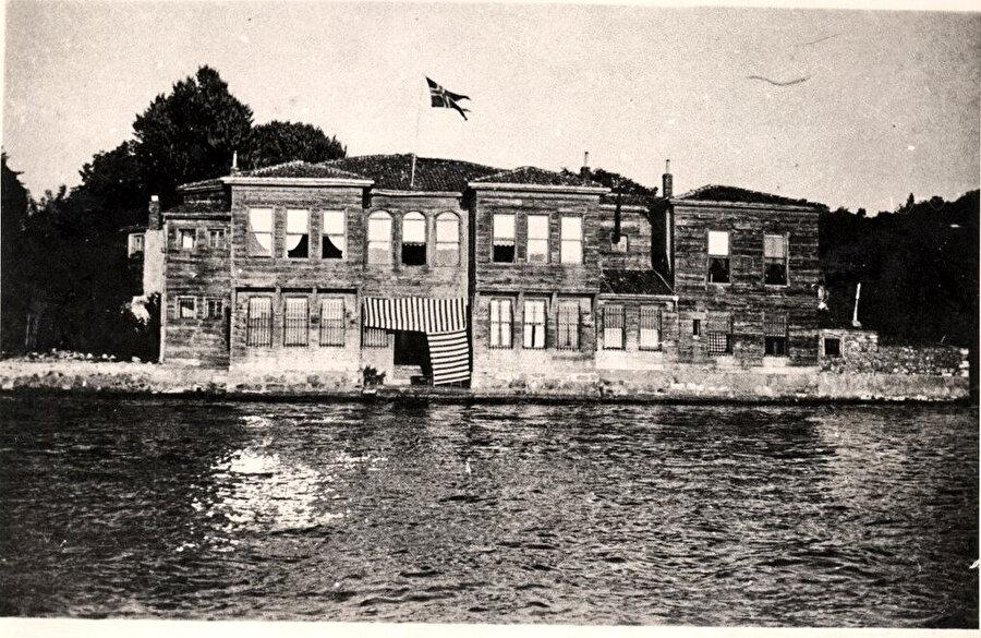 Sadullah Paşa Yalısı, restorasyon öncesi.