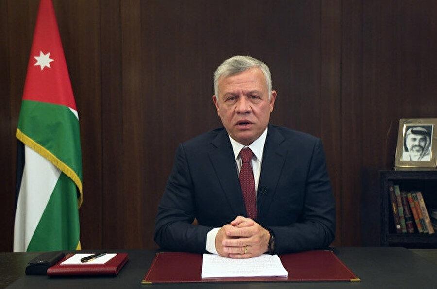 Kral Abdullah hükümetin istifasını kabul etti.