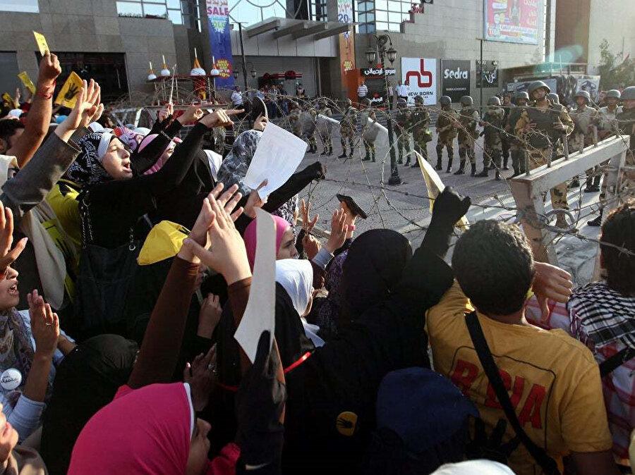2013 yılında Mısır'daki darbe karşıtı gösteriler.